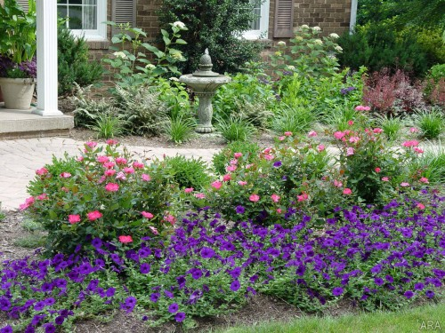 Create a positive first impression with feng shui feng for Small flower garden in front of house